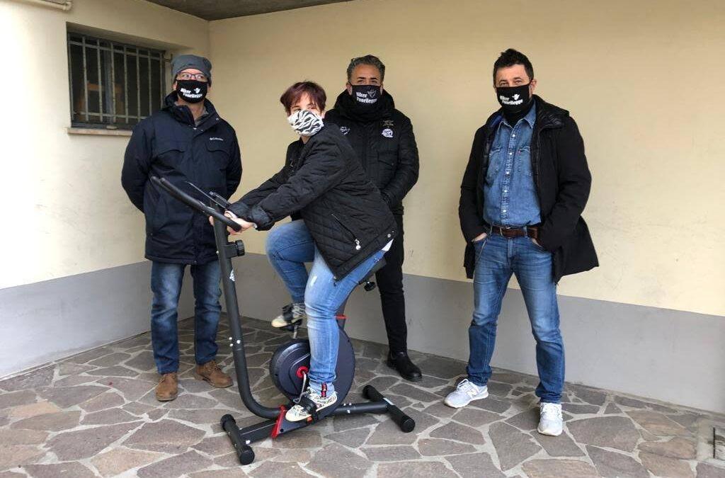 """Una cyclette in dono dai """"Bikers Fuorilegge"""""""